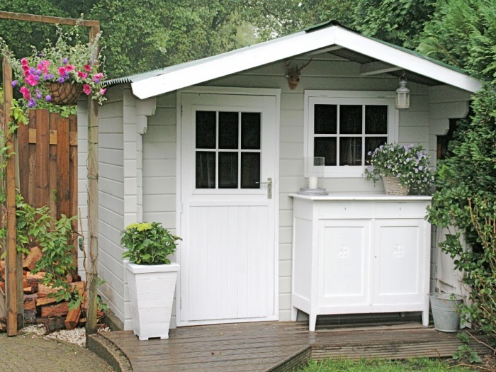 paint outdoor shed
